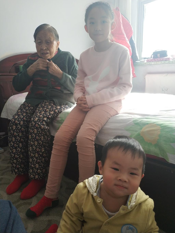 大年初二在太太家和三姑家的多米玩耍