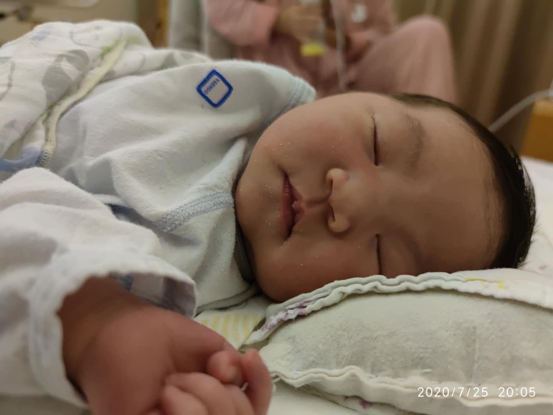 图:我在婴儿车里睡觉觉